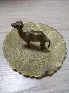 Brass/metal display set - Arabic words/camel