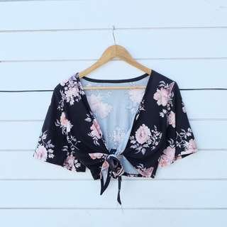 FLORAL WRAP AROUND TOP