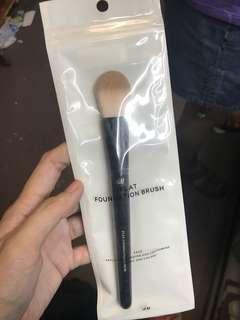h&m Flat Foundation Brush