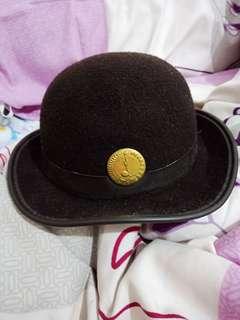 Topi pramuka wanita