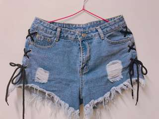造型牛仔短褲