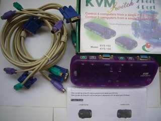 【KVM切換器】手動切換 電子式 4PORT KVM 螢幕 鍵盤 滑鼠 1對4切換器 (KYS-104) 加2組線材 9V DC變壓器,保存良好