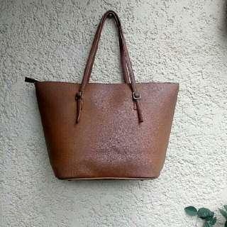 Marikina hand or shoulder bag