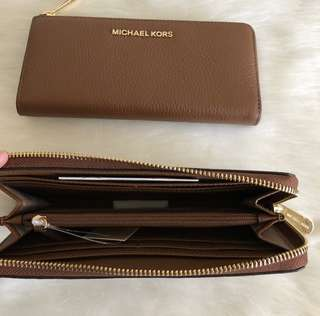 ‼️ From the sale Event ‼️ MK BEDFORD WALLET ETA: MAY 5