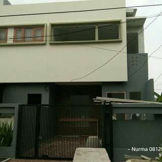 Rumah 2 Lantai Bintara Dekat Stasiun Cakung