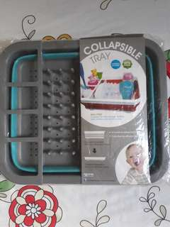 Collapsible tray