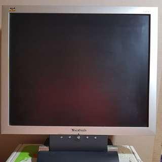 ⭕優派VA702~17吋電腦螢幕