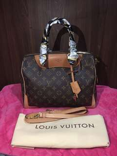 LV Louis Vuitton Two way limited edition