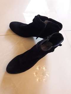 Stylish Shoes SALE Rp 100rb NOW from 200rb! Grab it Fast!