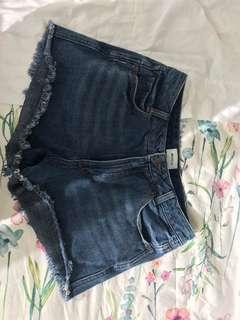 Rvca size 28 shorts