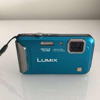 PANOSONIC LUMIX Camera