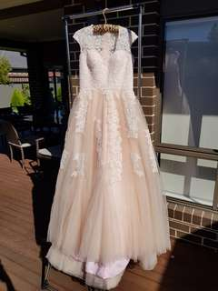 BNWT gorgeous lace wedding ball formal debutant princess/ cinderella full skirt evening dress/ gown in blush pink