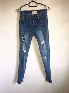 🚚 INSTOCK | Denim Ripped Jeans Mid Waist