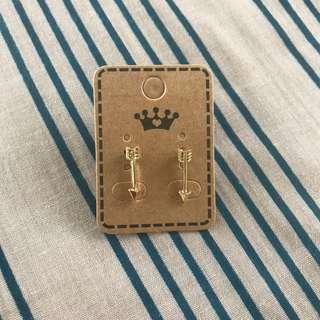 Dainty Gold Arrow Earrings