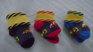 Newborn Socks - 3 pairs