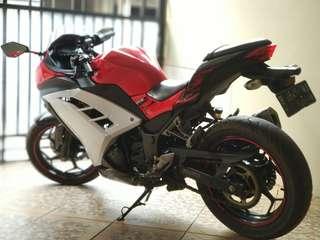 Kawasaki Ninja 250cc FI ABS 2013 (LOW KM!)