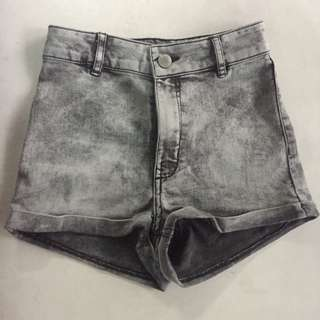 H&M Stretchable Denim Shorts