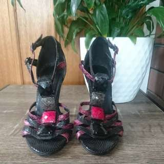 Black and Pink Pumps/ heels