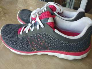 New balance running shoes (repriced)
