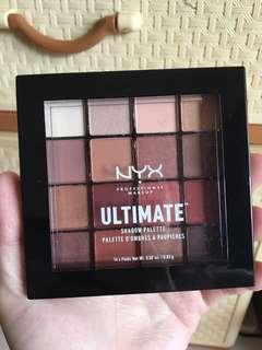 NYX楓葉色系16色眼影盤