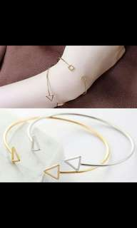 Po triangle bracelet