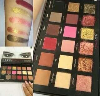 Huda Beauty texture eyeshadow