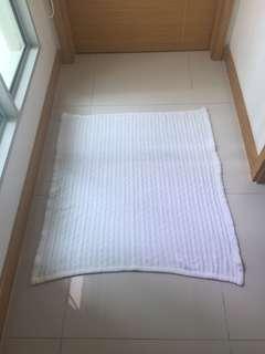 White blanket for babies, kids
