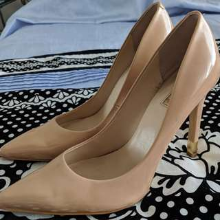 Guess Nude Patent Leather High Heels Size 10