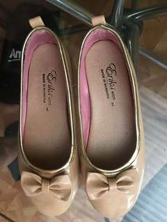 Preloved Marikina doll shoes for Girls size 2