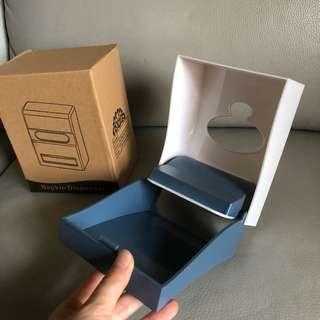 🚚 (全新)家用/營業兩用輕巧簡約風餐巾紙/面紙盒