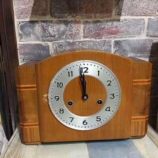 老物件 機械鐘