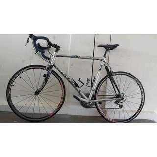 Lightweight Felt road bike bicycle Ultegra groupset Fulcrum wheels Very good