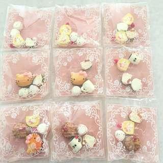 🚚 Sanrio Hello Kitty Miniatures