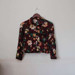 NEW! Floral Cropped Long Sleeve Button Down