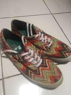City sneakers tribal