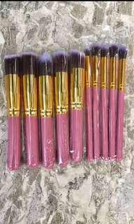 10pcs. Makeup Brushes
