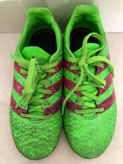 Free Adidas football soccer green shoes UK Size 1