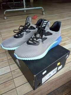 Adidas alpha bounce nice condition sports footwear