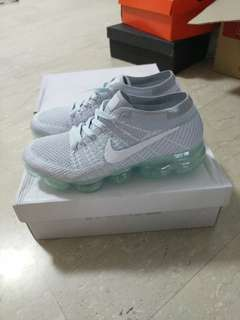 Nike flyknit vapormax platinum