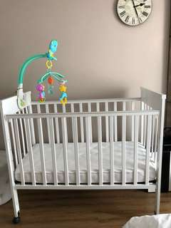 Baby cot ( solid wood & non toxic paint )