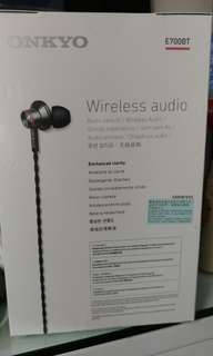 wireless headphones w/mic