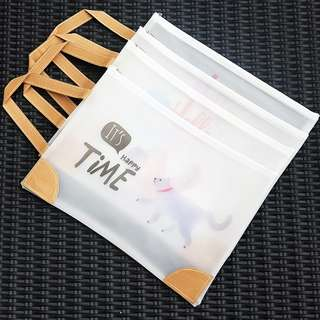 Happy Time Animals Plastic Tote Folder