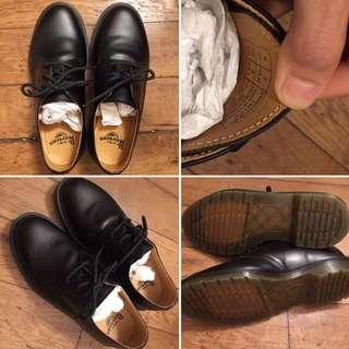 9.9 全新馬丁鞋 DR MARTENS 黑 非圓頭 基本經典款