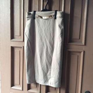 Preloved Pencil- cut skirt