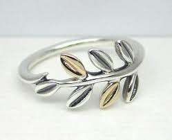Pandora Laurel Leaves Ring