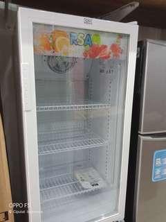 Lemari Pendingin freezer