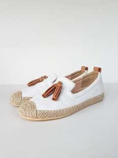 Tan white loafer espadrilles womens flat shoes | size 39
