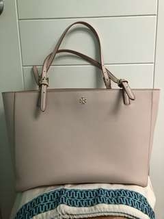 Tory Burch New York Buckle Tote (L)