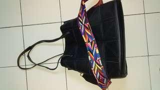 Preloved 2 way carry bag