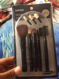 Make up brush set miniso